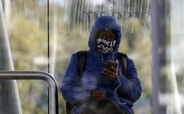 Nam Phi phạt tù người không đeo khẩu trang nơi công cộng