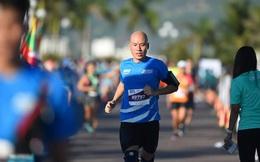 """Giảm 20kg nhờ chạy bộ, ông bố 8x kéo theo cả gia đình vào """"đường đua"""" 200km/ tháng"""