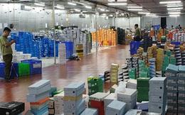 Mất 4 ngày đêm kiểm kê và 34 container chứa hàng lậu niêm phong ở Lào Cai