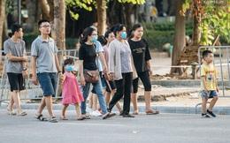 """Người dân Sài Gòn và Hà Nội """"kích hoạt"""" lại các biện pháp phòng chống dịch: Tuân thủ đeo khẩu trang nơi đông người"""