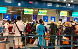 Các sân bay tại Đà Nẵng - Hà Nội - TP.HCM đông nghịt người sau khi Cục Hàng không tăng chuyến tối đa vì COVID-19