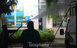 Quân đội phun khử trùng 2 bệnh viện bị phong tỏa ở Đà Nẵng
