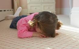 5 chữ giúp cha mẹ dạy trẻ biết kiểm soát tốt cảm xúc của bản thân: Hãy xem đó là những chữ gì!