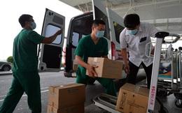 Ảnh: Bên trong chuyến bay đặc biệt đón 120 công dân nhiễm Covid-19 tại Guinea Xích đạo về nước