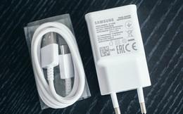 Theo chân Apple, đến lượt Samsung sắp bỏ củ sạc trên smartphone của mình?