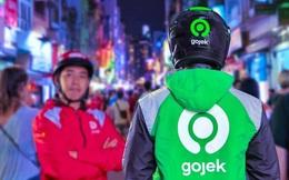 """Gojek Việt Nam """"biến hình"""" đồng phục từ màu đỏ sang xanh, nhìn hao hao giống Grab"""