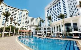 """Mùa Covid-19 tranh thủ rủ gia đình """"staycation"""" tại các khách sạn sang chảnh Hà Nội: Xếp hạng toàn 4,5 sao nhưng giá chỉ trên dưới 1 triệu đồng/đêm"""