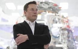 SpaceX của tỉ phú Elon Musk vừa có chiến thắng lịch sử trước startup của Jeff Bezos