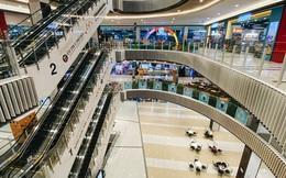 Chùm ảnh: Trung tâm Aeon Mall Bình Tân vắng tanh, đìu hiu chưa từng có giữa dịch Covid-19