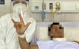 """[Ảnh] Cận cảnh hành trình 15 ngày đưa bệnh nhân Covid-19 """"từ cửa tử trở về"""" của các y bác sĩ ở tâm dịch Đà Nẵng"""