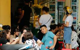 Hàng quán Hà Nội đông kín khách trước giờ thực hiện giãn cách