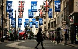 """Chính phủ Anh muốn doanh nghiệp tự quen với """"bình thường mới"""", dừng hỗ trợ trả lương cho nhân viên"""