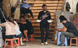"""Hà Nội trong ngày đầu tiên giãn cách hàng quán: nhiều nơi vẫn tấp nập, chỉ mới """"chớm"""" có dấu hiệu thực hiện"""