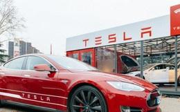 Giá trị thị trường của Tesla cao gấp đôi tổng giá trị các hãng ô tô và hàng không lớn của Mỹ