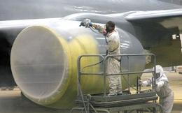 Những lý do nào khiến việc sơn một chiếc máy bay cũng có thể tốn đến 7 tỉ đồng và mất nửa tháng mới hoàn thành xong được?