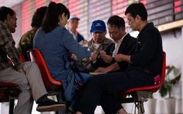 Vì lãi nên cứ 'đâm đầu': Hơn 2,4 triệu người Trung Quốc đầu cơ chứng khoán chỉ trong 1 tháng