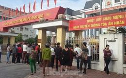 Hàng trăm người đội nắng theo dõi phiên xử vợ chồng Đường 'Nhuệ'