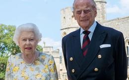 """Nhà Meghan Markle tìm cách """"nối lại tình xưa"""" với Nữ hoàng Anh khi nhận ra bản thân rất cần hoàng gia"""