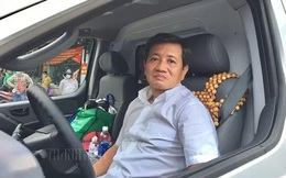 Ông Đoàn Ngọc Hải mua xe cứu thương, tự cầm lái chở bệnh nhân nghèo về quê miễn phí
