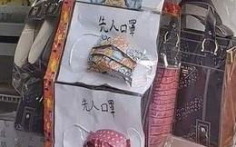 Khẩu trang vàng mã cúng hồn ma với giá 170.000 đồng/cái đắt hàng mùa COVID