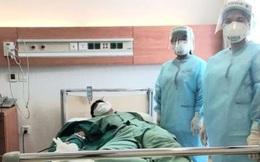 Hai nhân viên y tế đầu tiên hiến huyết tương cứu bệnh nhân COVID-19
