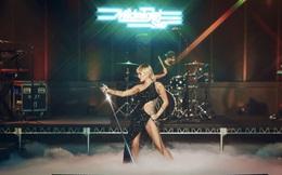 Công chúa Disney - Miley Cyrus bí ẩn, gợi cảm trong sáng tạo táo bạo của NTK Công Trí