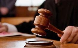 Nói chuyện với 1 ông lão sửa giày trước giờ xét xử, 3 tuần sau, người công nhân bất ngờ thoát được bản án phải ngồi tù