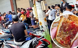 Hình ảnh xếp hàng mua bánh Trung thu gây bão mạng xã hội, chờ 2 - 3 tiếng vẫn về tay không là chuyện bình thường?
