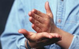 Muốn khách hàng hài lòng, người làm dịch vụ không thể bỏ qua 9 đặc điểm giao tiếp phi ngôn từ quan trọng
