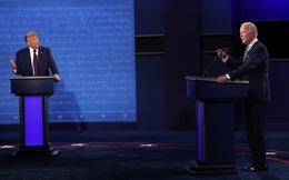 """Ứng cử viên Biden mắng thẳng mặt Tổng thống Trump: """"Ông cứ lảm nhảm tiếp đi"""""""