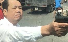 """Giám đốc rút súng dọa tài xế ở Bắc Ninh: """"Họ vượt phải, tôi nhắc còn định rút dao đâm"""""""