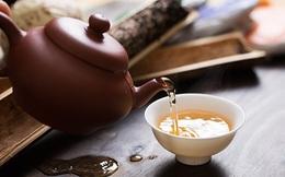"""Trà đặc có phải """"sát thủ"""" hại gan? Chuyên gia chỉ ra thói quen xấu khi uống trà, người Việt nên từ bỏ"""