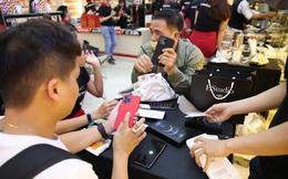 Sau ngày kỷ lục doanh số iPhone 12 Series , FPT Shop tiếp tục lên kệ 10.000 iPhone 12 Pro và 12 Pro Max giữa lúc thị trường khan hàng