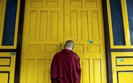"""3 bài học """"khắc cốt ghi tâm"""" của nhà sư thân tín Đức Đại Lai Lạt Ma: Áp dụng để có một cuộc đời an nhiên, hạnh phúc"""