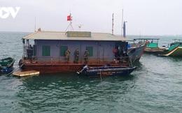 Cấm tàu thuyền hoạt động trên sông biên giới Móng Cái