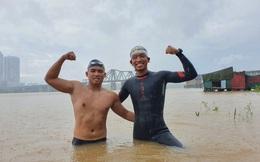 Bơi 200 km từ chân cầu Long Biên đến biển Thái Bình, nhân viên văn phòng và thầy giáo hoàn thành thử thách giữa mùa đông rét mướt