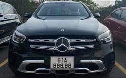 """Người đàn ông mua Mercedes tặng vợ và bốc được biển ngũ quý 8 siêu hiếm: """"Đã giàu còn may mắn"""""""