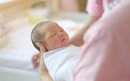 Thưởng tiền hoặc hiện vật cho phụ nữ sinh đủ hai con trước 35 tuổi ở 21 tỉnh