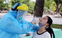 Hơn 2.100 học sinh Hà Nội phải lấy mẫu xét nghiệm COVID-19