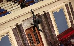 Những hình ảnh gây sốc từ cuộc bạo loạn đầu tiên sau 200 năm ở Điện Capitol