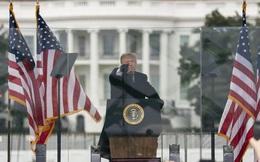 """Ông Trump hứa """"sát cánh"""" cùng người biểu tình ở Điện Capitol rồi lẳng lặng lên xe quay về Nhà Trắng?"""