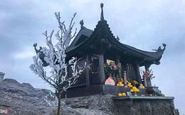 Trầm trồ trước khung cảnh băng tuyết tuyệt đẹp bao phủ chùa Đồng trên đỉnh non thiêng Yên Tử
