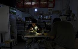 Trung Quốc thiếu điện ảnh hưởng đến từng ngõ ngách của kinh tế toàn cầu, từ bìa giấy đến iPhone