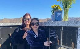 Vừa sang Mỹ, vợ chồng Việt Hương đến viếng NS Chí Tài, rơi nước mắt khi nhắc 1 chuyện liên quan NS Hoài Linh?