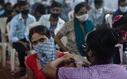 """Tiêm 1 tỉ liều vắc-xin, Ấn Độ """"ăn mừng"""" theo cách đặc biệt"""