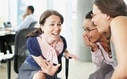 Người khôn ngoan sẽ ứng xử sao khi bị đồng nghiệp bán tán sau lưng?