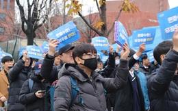 CNN: Nam giới Hàn Quốc biểu tình vì bị chê 'ngắn', đòi quyền bình đẳng cho cánh mày râu