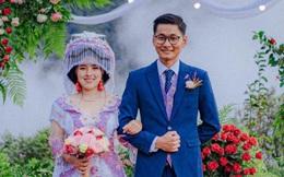 """Mắc kẹt trên Tây Bắc vì dịch, chàng trai Sài Gòn """"cưới ngay"""" vợ người H'Mông xinh đẹp"""