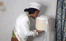 """Người đàn ông Indonesia kết hôn với nồi cơm điện: """"Cô ấy ít nói, ngoan ngoãn và biết nấu ăn"""""""