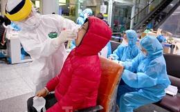 Trắng đêm xét nghiệm COVID-19 khẩn cấp cho 10.000 nhân viên sân bay Nội Bài